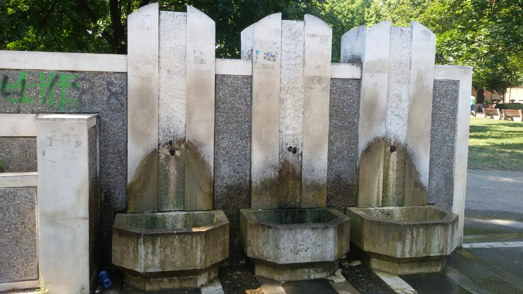 Drinking water fountain - Mineral water